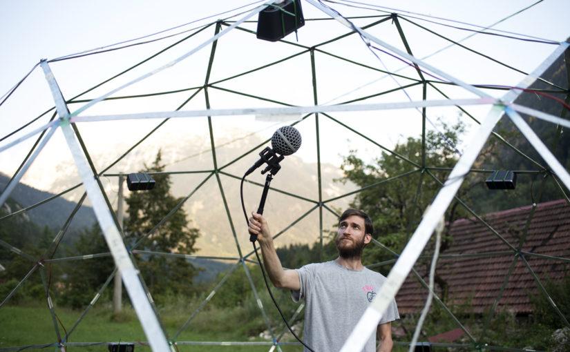 DIY ambisonična kupola 2: Live-coding glasba v ambisoničnem formatu